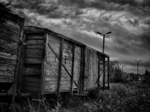 Old_train_in_Lodz_by_grafzero copy